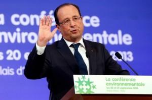 François Hollande ouvre la conference environnementale 2013 (AEP)